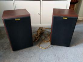 Jamo hi end old skool speakers 55w to 85w