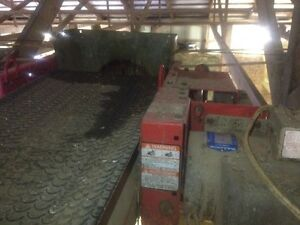 Agri Metal and Val Metal feed conveyors.
