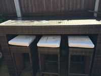 Garden bar top and 6 stools