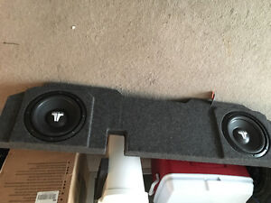 Subwoofer box with subs for ram trucks