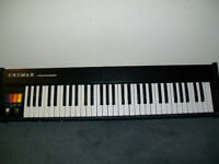 2 old electronic pianos