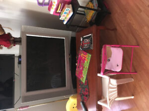 Sony floor model tv with stand