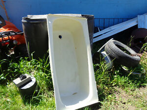 Allmost new poratable toilets come out from travel trailers.