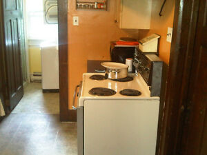 Room for rent – Uptown $420.00 London Ontario image 3