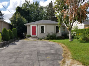 HOUSE FOR RENT, RICHMOND HILL , BUNGALOW, SHORT TERM, FURNISHED