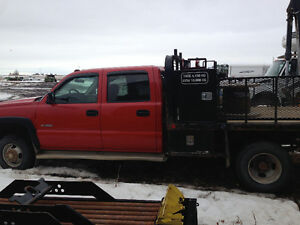 REDUCED 2006 CHEV 3500 CREWCAB 4X4 FLATBED TRUCK