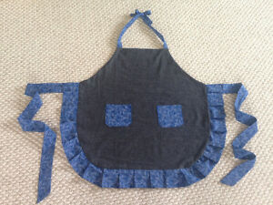 Cute Ruffled apron new hand made Cambridge Kitchener Area image 4