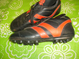CLEATS - Two sizes avail - child 10-12 Youth 3
