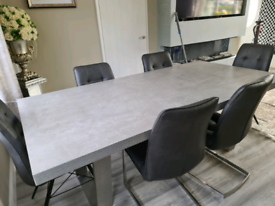 Housing units table and chairs