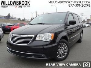 2015 Chrysler Town  Country Touring-L