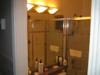 10 min train to CityCentre spacious Clean Quiet Private Safe..