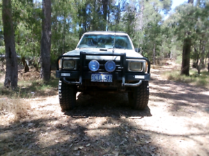V8 hilux for offers or swaps