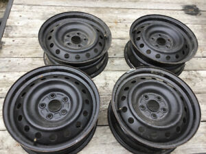 """Toyota Camry 16"""" steel rims in good condition"""