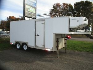 1998 19 FT Tandem Trailer Fifth Wheel with Themo King Refer