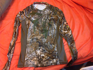 Men's camo long sleeve shirt