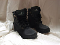 Ladies size 5 or Kids size 4 paddock boots.