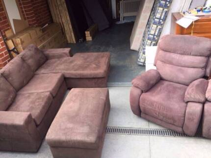 Nice used material L-shap + 1 Ottom saofa, can delivery at extra