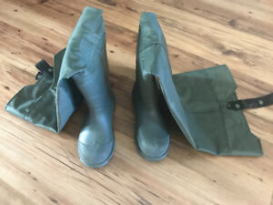 Children's rubber hip waders - size 12