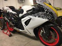 2014 suzuki gsxr 600 l4 race track bike