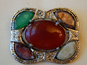 Vintage Carnelian and Agate Celtic Brooch