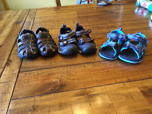 Size 5/6 toddler shoes
