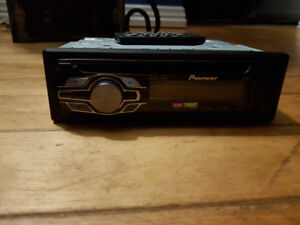 Pioneer DEH-24Ub Car stereo for sale.....
