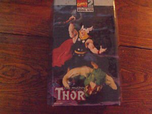THE MIGHTY THOR MODEL KIT 1998