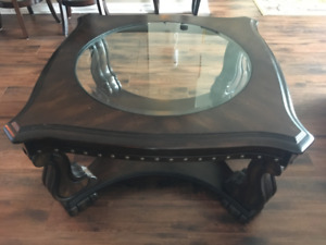 Beautiful Coffee table Set - solid wood and glass - 2 for $250