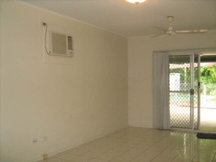 3br ground level, pet friendly home