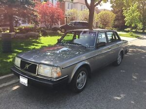 1989 Volvo 240 DL Sedan Automatic for the Volvo enthusiast!