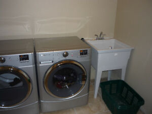 MAYTAG SERIES 2000 FRONT LOAD WASHER - PARTS ONLY