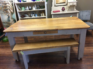 COUNTRY HARVEST TABLE - PINE
