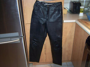 belle paire de pantalons screamin eagle en cuir véritable