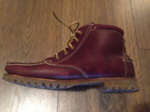 Timberland Women's Shearling-Lined Leather Boots Size 8