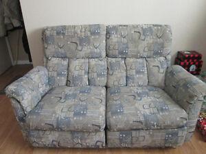 Causeuse et fauteuil à vendre