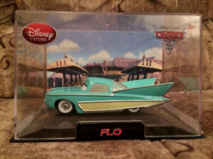 DISNEY Store CARS Originals Ramone Flo Luigi Guido 1:43 New