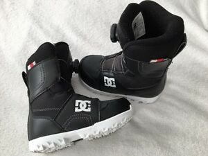 2015 DC Scout BOA kids Snowboard Boots Size 1 youth Black