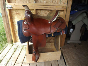 DK Saddlery 15.5 Barrel Saddle (with Adjustable Tree)