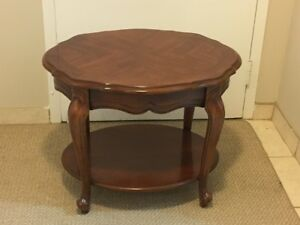 Oval Living Room End Table