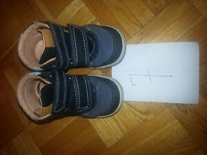 Boys very excellent condition size 7 Geox West Island Greater Montréal image 1