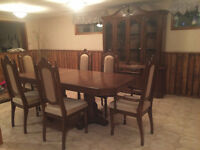 Excellent Condition Dining Set