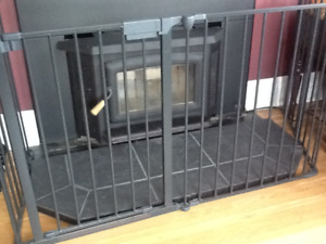 Metal fireplace safety gate
