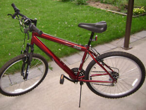 Mongoose mountain bike in very good condition.