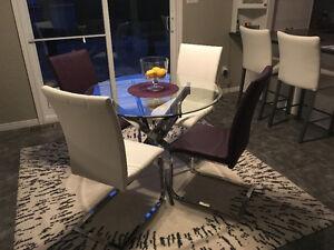 Table de cuisine / Dinning table