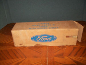 1969 Ford Galaxie ranch wagon country RH tail light lens