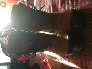 Men's work boots Size 11 - never used