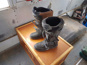 Boys motorcycle boots