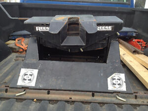 Reese 5th wheel 14,000 lb capacity 4 way tilt as new condition