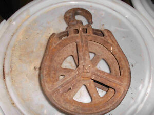 VINTAGE ROPE PULLEY BARN CARRIER-TROLLEY KNOT-PASS ROPE GUIDE Belleville Belleville Area image 1