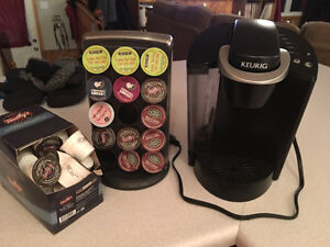 Keurig + cup stand and various cups